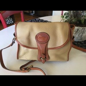 Handbags - Vintage Dooney & Bourke Crossbody Bag
